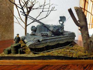 木と落ち葉とゲパルト対空戦車