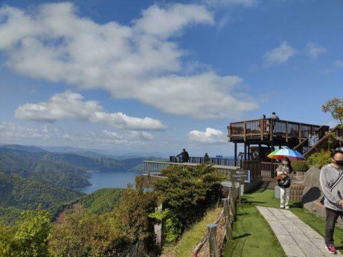 レインボーライン山頂公園の若狭テラス