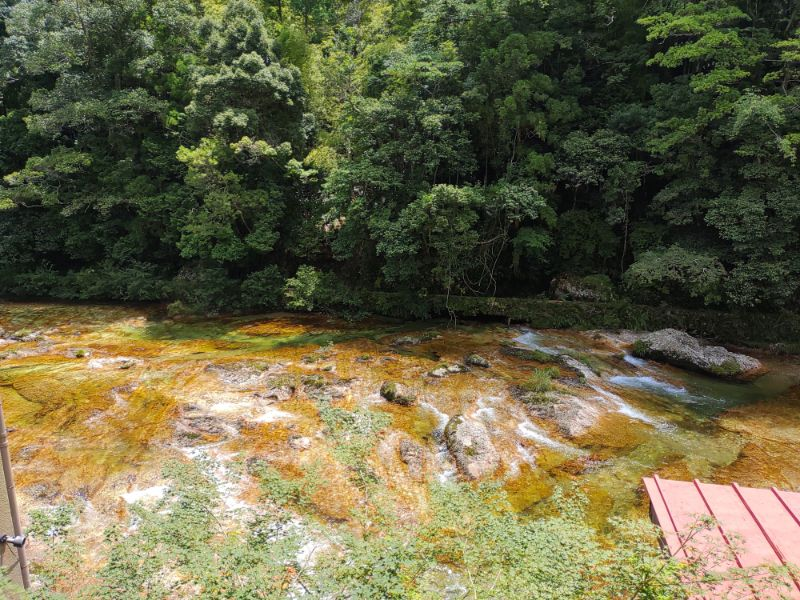 湯谷温泉「はづ別館」からみえる宇連川