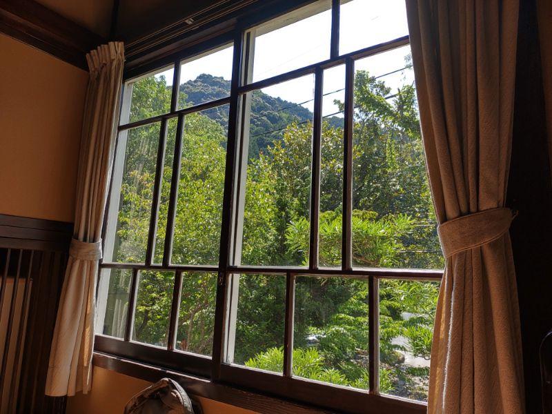 湯谷温泉「はづ別館」の窓